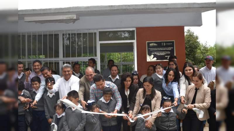 Niños y niñas del CAM estrenan aula de usos múltiples en Ario de Rosales