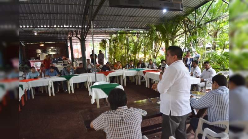 Atiende Bienestar Michoacán a acuacultores de Tierra Caliente