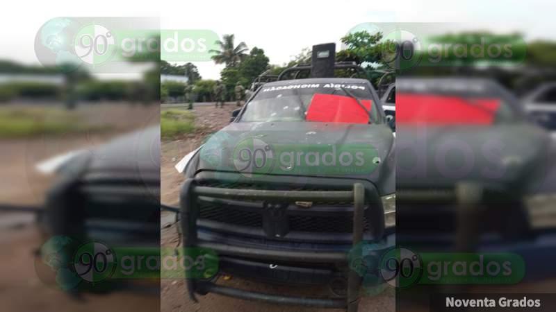 Emboscan y dejan narcomensajes a policías en Aguililla, Michoacán, habría  al menos un muerto y varios heridos