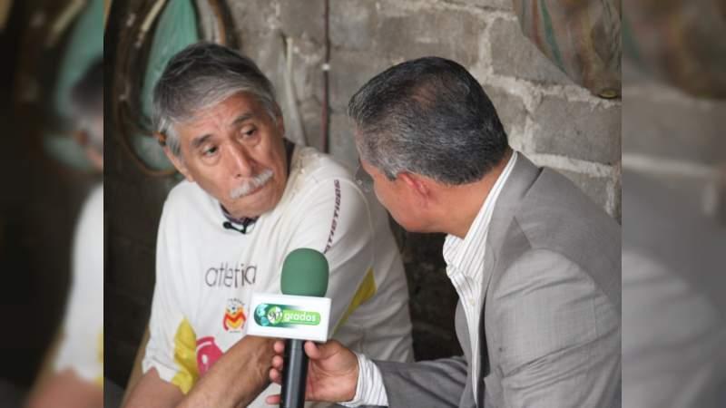 Autoridades de Michoacán se olvidan del único Artesano de Equipales de Apatzingán, Michoacán
