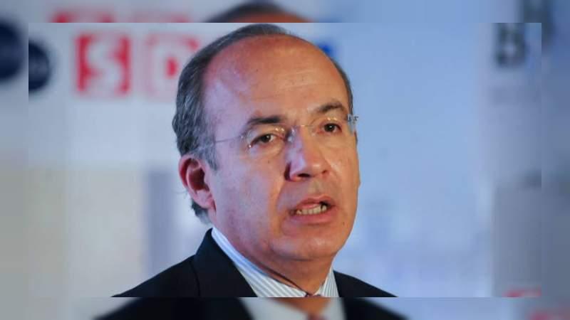 Calderón hace votos para que se detenga la violencia en Michoacán