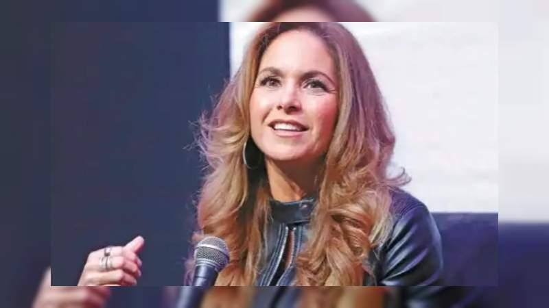 Catálogo sexual de Televisa es real: Periodista a Lucero