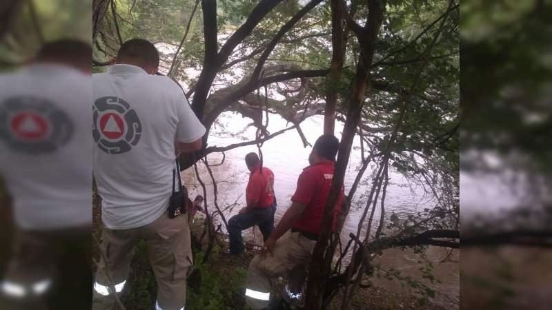 Hallan cadáver en el Río Grande de Apatzingán, Michoacán - Noventa Grados