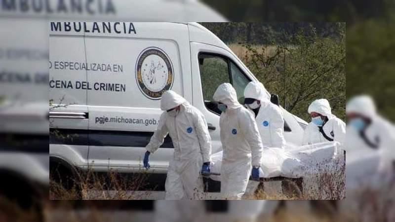 Hallan dos cadáveres inhumados clandestinamente en Jacona, Michoacán