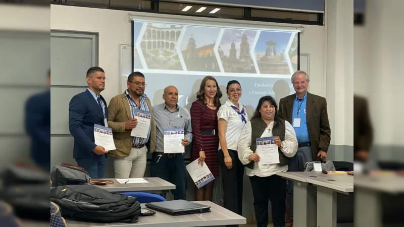 Docentes del ITSCH en el X Congreso de la Facultad de Contaduría, Administración e Informática Administrativa de la UMSNH