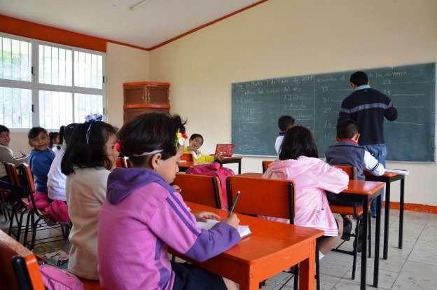 Sancionarán a maestros que no acudan a laborar el 5 de febrero