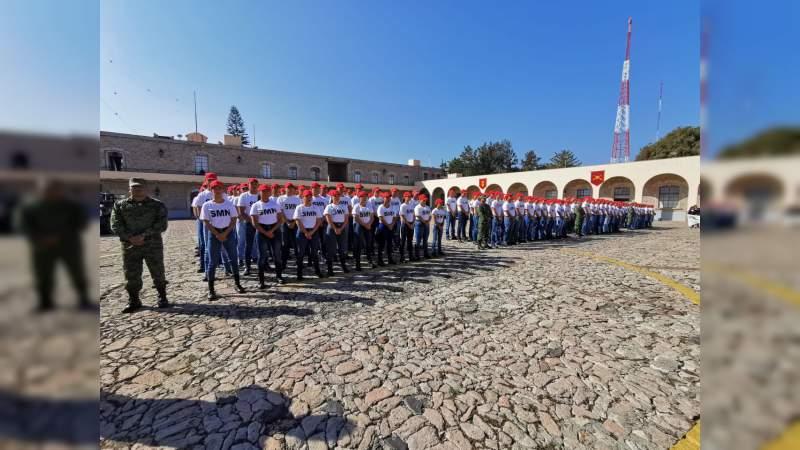Reciben 195 conscriptos de la clase 2000 cartilla de Servicio Militar Nacional