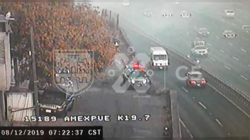 Fuerte incendio de pastizal en la Autopista México – Puebla