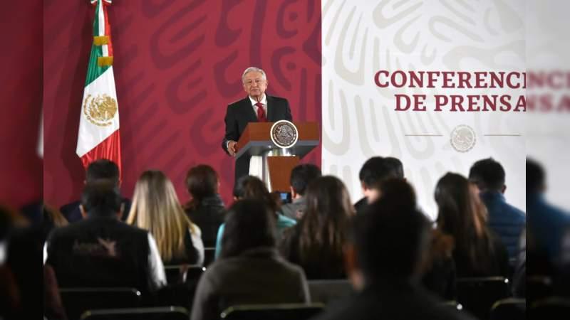 """""""Congelamos cuentas a García Luna"""", asegura Inteligencia Financiera: AMLO lo desmiente en conferencia"""