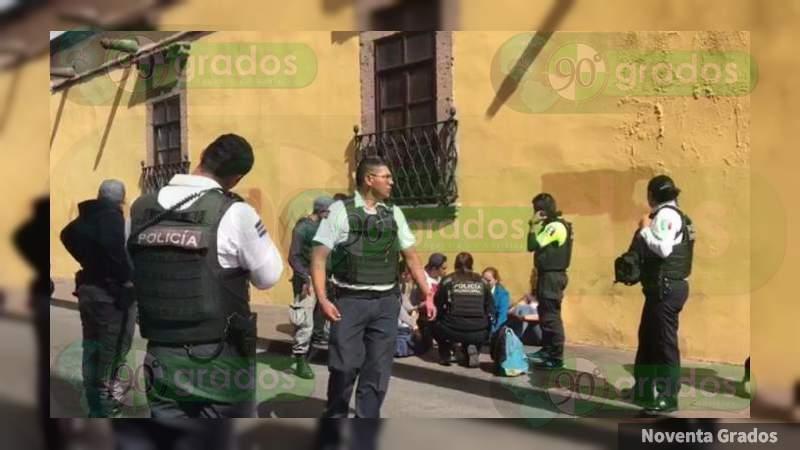 Asaltan a mujeres en Morelia, Michoacán, les quitan 106 mp