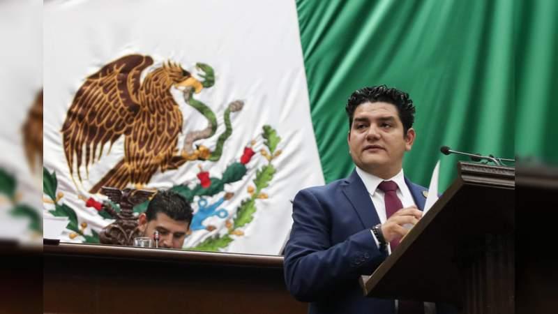 Toño Madriz pide a la SCT ampliar a cuatro carriles la Siglo XXI