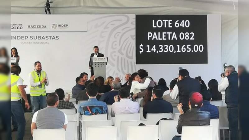 """Gobierno solo recaudó 10% de su meta por """"La madre de las subastas"""" en Los Pinos"""