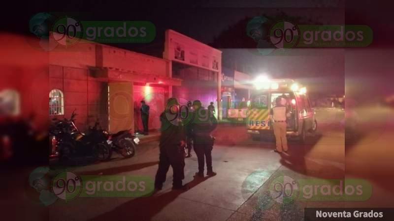 Persiguen y hieren a balazos a una mujer en Zamora, Michoacán