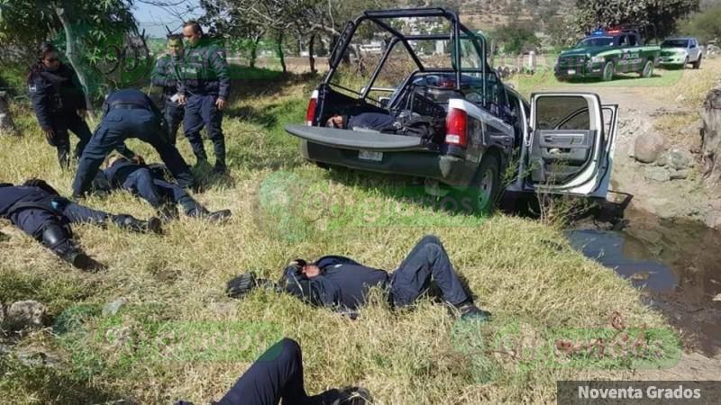 Vuelca patrulla de la Policía, Michoacán en Tarímbaro, hay un muerto
