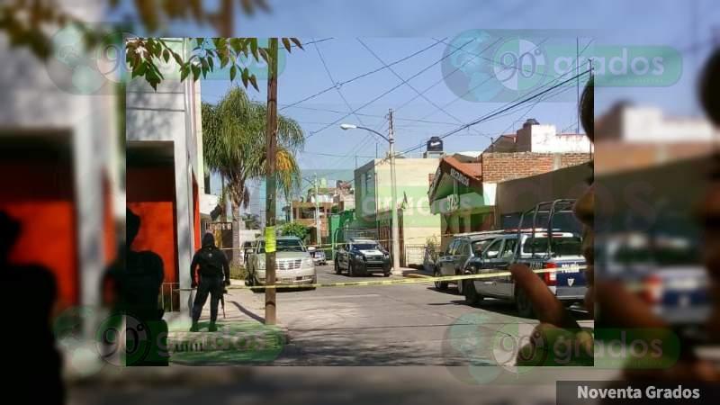 Asesinan a tiros a joven comerciante en Zamora, Michoacán
