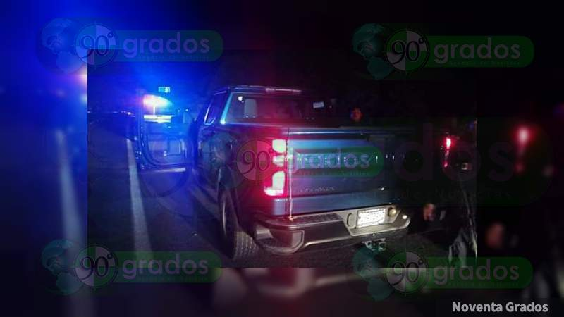 Tras operativo, recupera SSP camioneta robada en Apatzingán, Michoacán