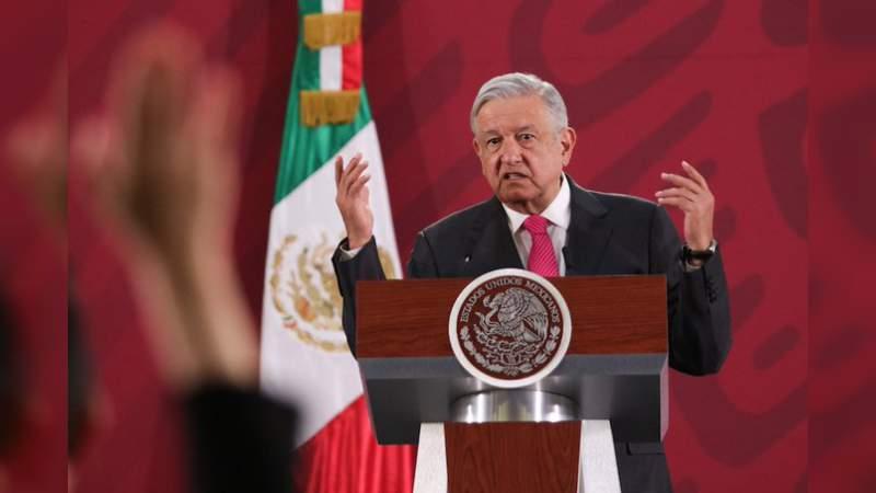 """""""La economía va a crecer en el 2020"""", asegura López Obrador"""