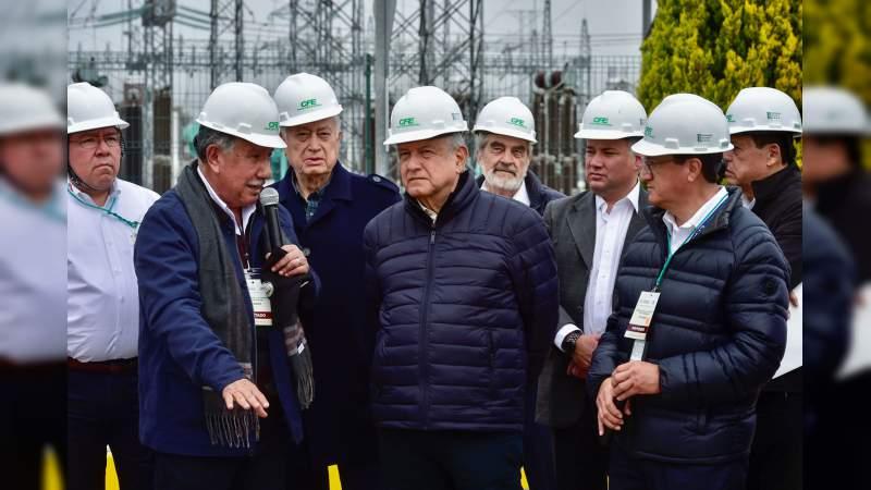 Apuesta López Obrador por fortalecer la CFE y frenar privatización del sector energético