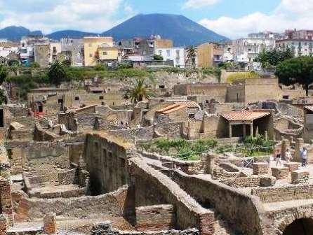 Investigadores de la UNAM Morelia estudian el volcán Vesubio en Italia