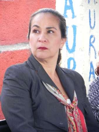 Llama Carmen Escobedo a sumar esfuerzos por la educación