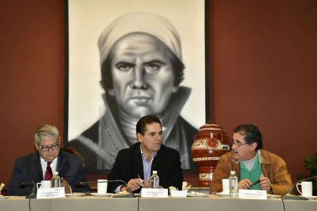 Se reúne el Gobernador de Michoacán con Staspe