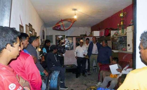 Salvador Arvizu y Félix Madrigal atienden demandas en colonias marginadas