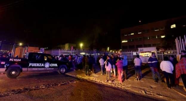 Sacan a 72 reos tras motín en penal de Topo Chico en Nuevo León