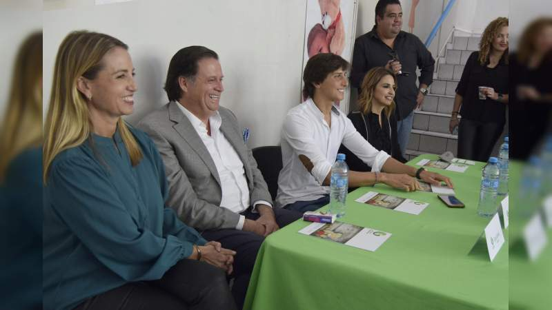 Andrés Roca Rey visita Mi Gran Esperanza A.C.