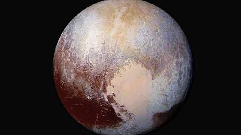 Después de 14 años, Plutón es nuevamente un planeta