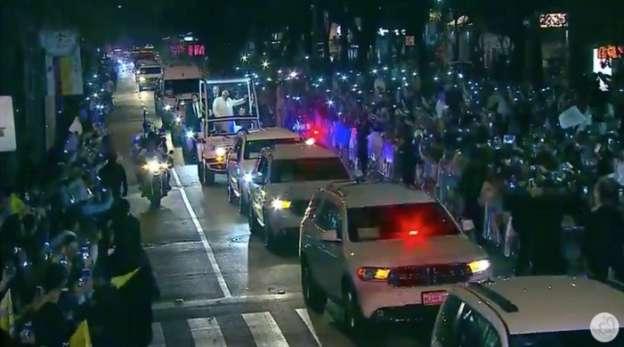 Reabren paulatinamente vialidades tras paso del convoy del Papa