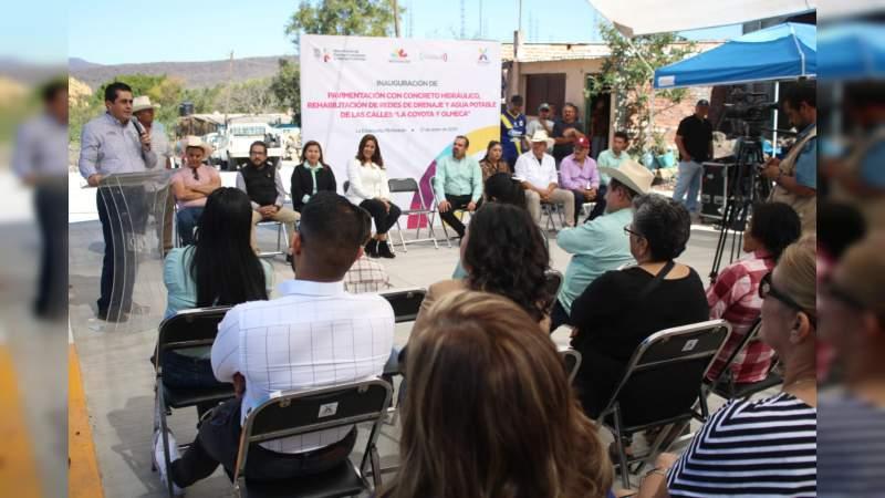 Inaugura y supervisa SCOP, vialidades en Ixtlán
