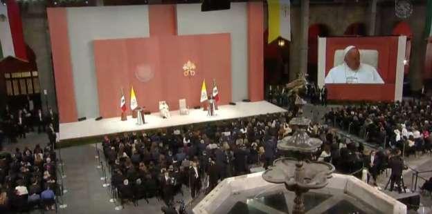Asiste Silvano Aureoles a recepción del Papa en Palacio Nacional