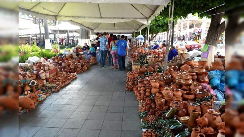 Pese a la inseguridad de Uruapan, artesanos listos para el Tianguis de Domingo de Ramos