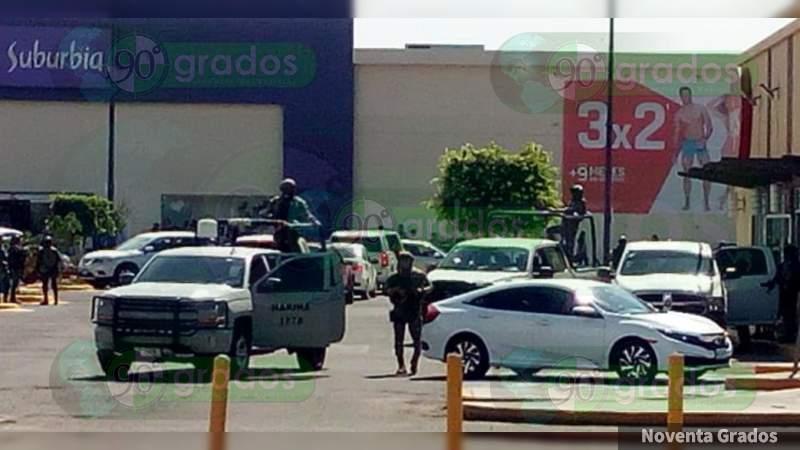 En operativo, Marina ingresa a un restaurante VIPS para detener a cuatro comensales, en Celaya, Guanajuato