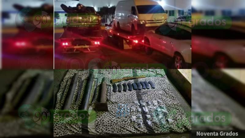 En campamento del CJNG aseguran ocho vehículos, droga y tres arietes en Zamora