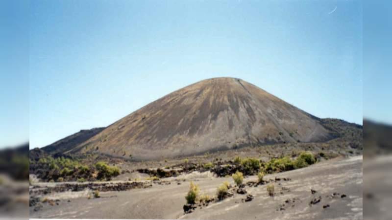 UMSNH participa en los festejos del 77 aniversario del nacimiento del Volcán Paricutín