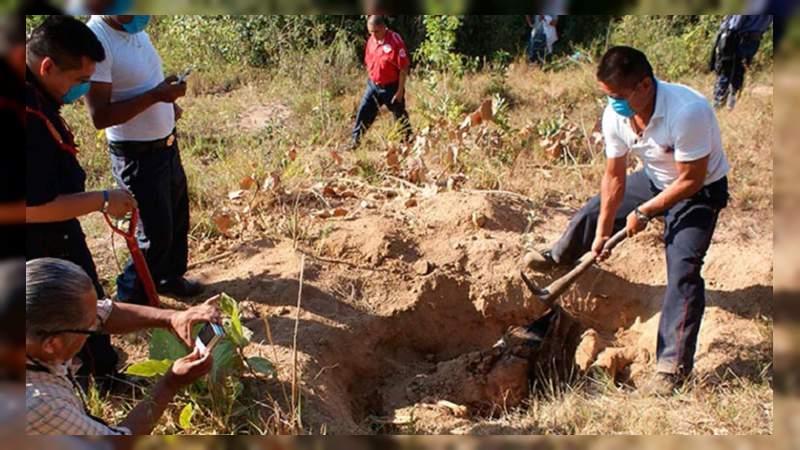 40 cuerpos rescatados de fosas clandestinas en Michoacán en 2020