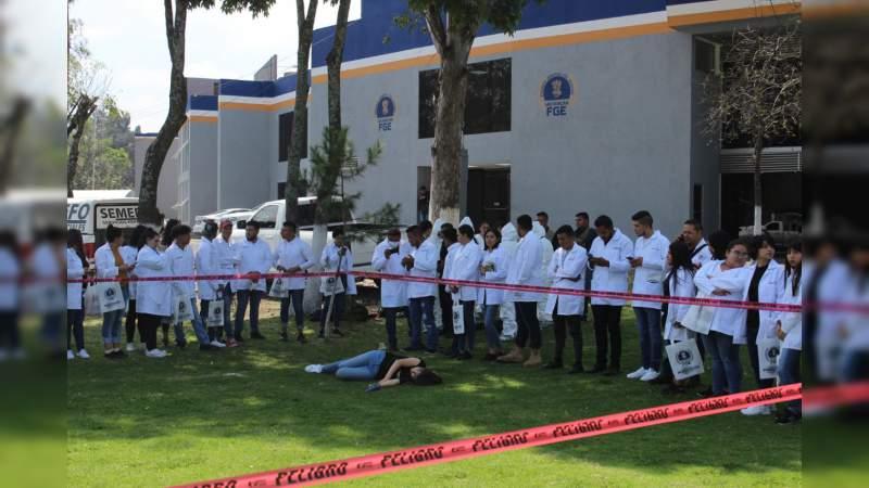 Visitan estudiantes de Criminología y Criminalística la FGE