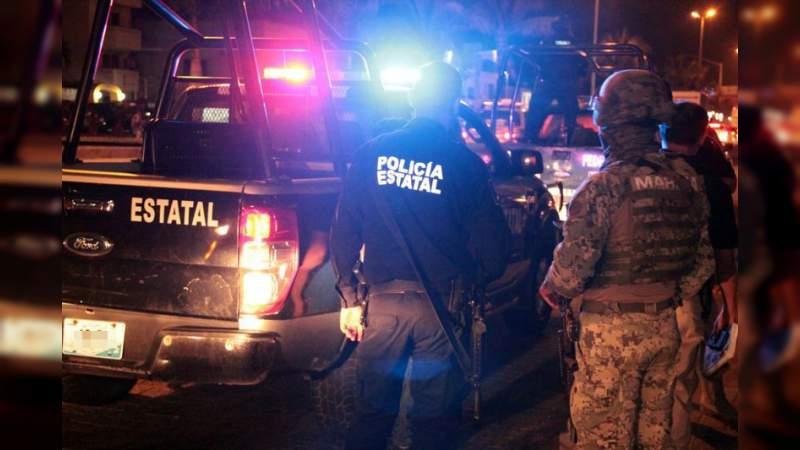"""Capturan a 90 presuntos delincuentes y aseguran armas, droga y vehículos en """"Operativo Costera"""" en Colima"""