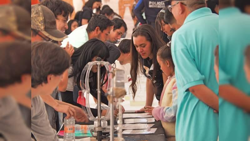 2500 personas disfrutaron del cielo de Tzintzuntzan, Michoacán